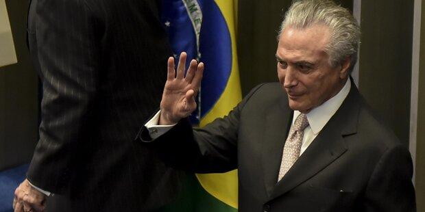 Angst vor Geistern: Brasiliens Präsident flüchtet aus Palast