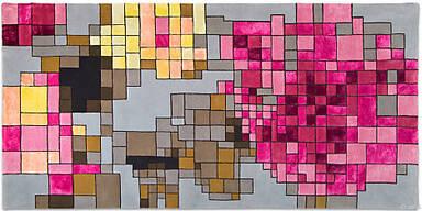 Teppich mit gezogener Pixelung eines Blumenmotivs