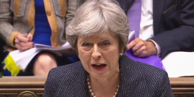 b215d686a2aa Britische Regierung verbietet Fotografieren unter Frauenröcke