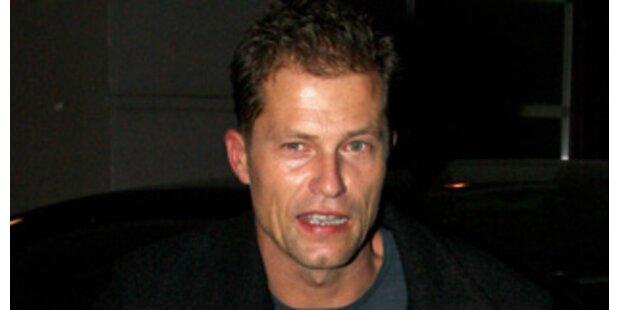 Brad Pitt hat Til Schweiger untern Tisch getrunken