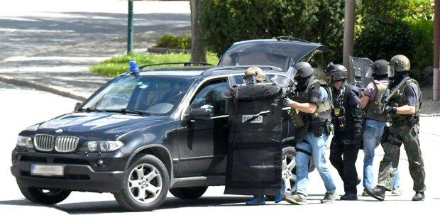 Täter ergibt sich nach Geiselnahme in Tiroler Bank