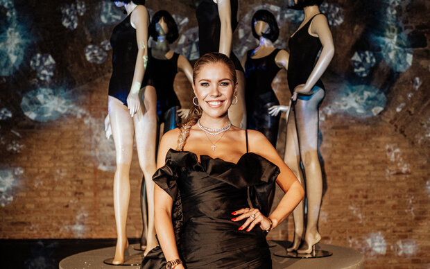 Victoria Swarovski präsentierte Strumpf-Kollektion