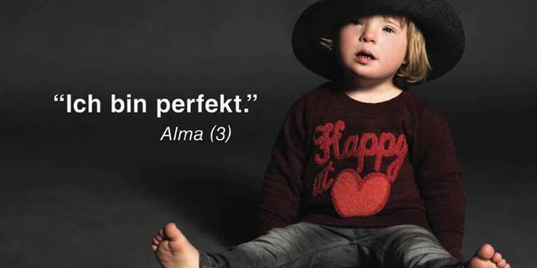 Kinder mit Downsyndrom modeln für Kampagne