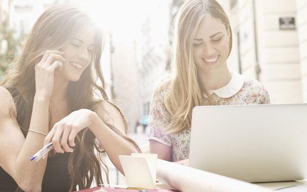 10 Dinge, die jede Mittzwanzigerin heimlich googlet