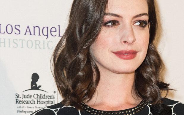 Darauf will Anne Hathaway 18 Jahre lang verzichten