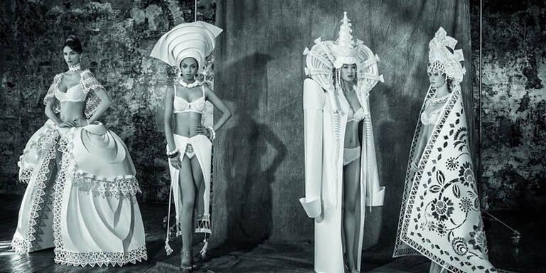 Die Künstlerin Asya Koznia stellt aufwändige Hochzeitskleider aus Papier her. Ihre Kreationen sind von Kleidern und Traditionen aus aller Welt inspiriert. So setzt sie nicht nur klassische, weiße Kleider, sondern auch zum Beispiel indonesische Kleidung in Papier um.