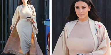 Kim Karsadhian im Presswurst-Look