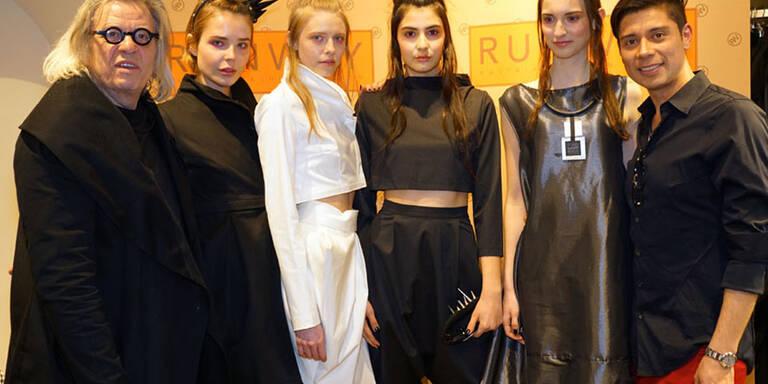 Die Designs der rumänischen Designerin sind ab sofort in der Boutique Runway erhältlich.