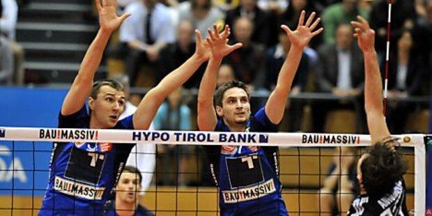 hotVolleys und Tirol spielen im Traditionsfinale
