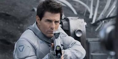 "Tom Cruise in ""Oblivion"""