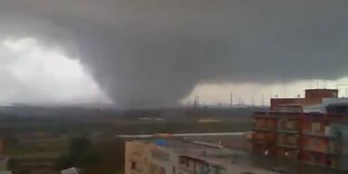 Italien: Tornado fegt über die Toskana