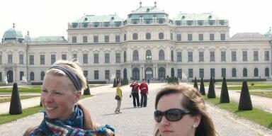 Die Touristen stürmen weiter unsere Hotels