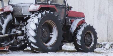 Traktor Schnee