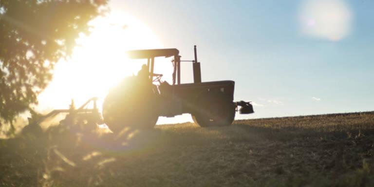 Sex am fahrenden Traktor: Autofahrer schlugen Alarm