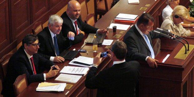Parlament stimmt für Selbstauflösung