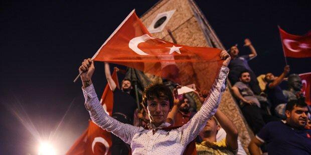 Türkei: 8.000 Polizisten nach Putsch suspendiert