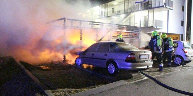 Acht Autos gehen in Tulln in Flammen auf