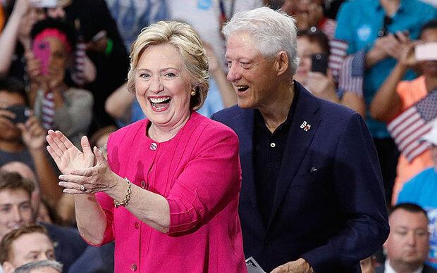 So heiß ist Hillary und Bill Clintons Neffe