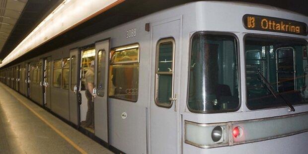 91-Jährige stürzte vor U-Bahn