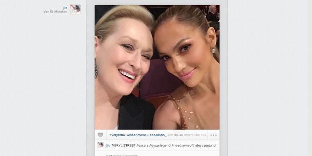 Oscars 2015: Jennifer Lopez & Meryl Streep