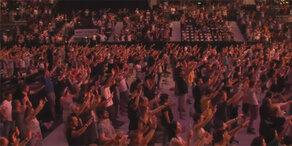 Tausende beteten in der Stadthalle für Sebastian Kurz