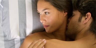Sex: Das bereuen Männer & Frauen am meisten