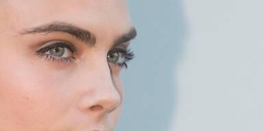 Augenbrauen-Tattoos für vollere Brauen
