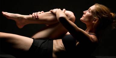 Bikram-Yoga lässt die Pfunde purzeln