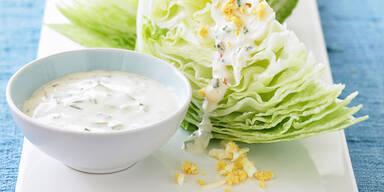 Test: So dick machen fertige Joghurt-Dressings