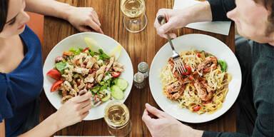 So essen Sie auch im Restaurant gesund