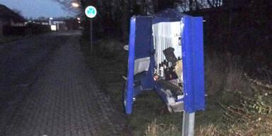 Mann sprengt Kondomautomaten - tot