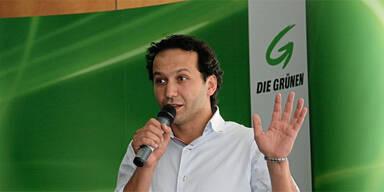 Belästigungsvorwürfe: Grünen-Politiker aus Klub geworfen