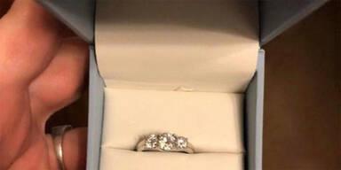 Frau findet Verlobungsring – und will plötzlich NEIN sagen