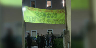 Haus in Innsbruck von etwa 30 Menschen besetzt