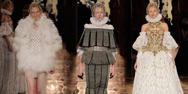 Majestätische Mode von Alexander McQueen