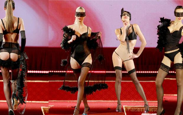 Triumph Coin Show im Burlesque Stil