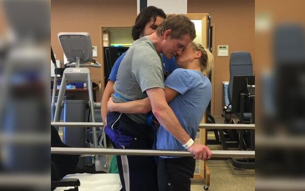 Dieser Kuss berührt Millionen Menschen