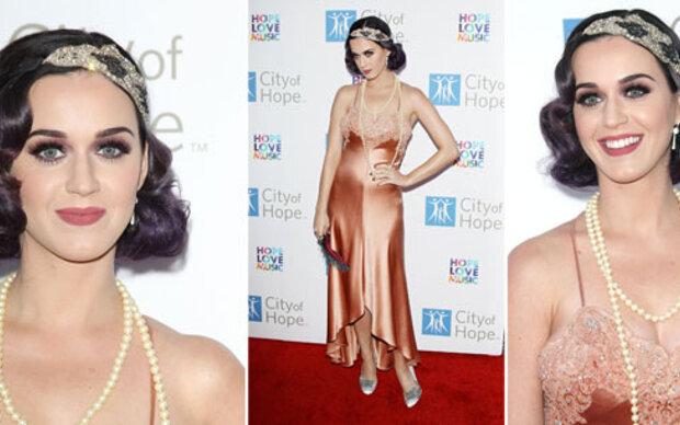 Katy Perry mit neuen Haaren im 20er-Look