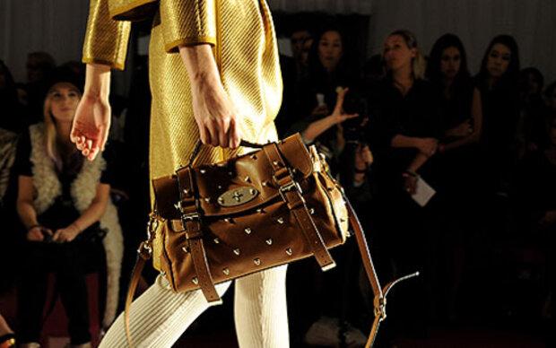 Britinnen sind handtaschensüchtigste Frauen
