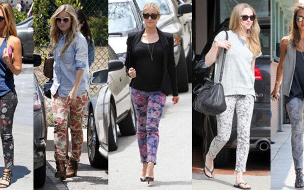 Stars machen es vor: Florale Jeans sind in