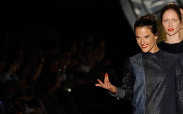 Alessandra Ambrosio geht unter die Mode-Designer