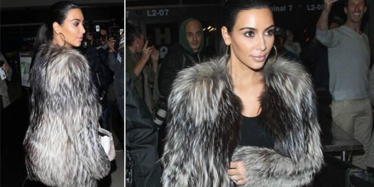 Kim: Auch Yeti-Mantel kann Po nicht verstecken