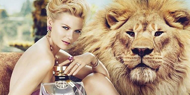 Kirsten Dunst posiert nackt und mit Löwe
