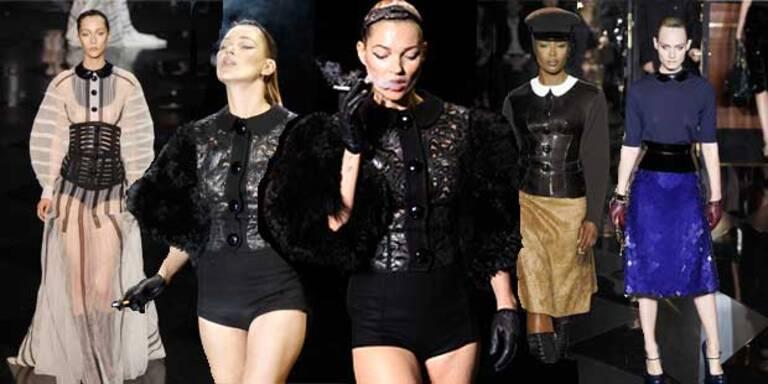Kate Moss qualmt am Catwalk