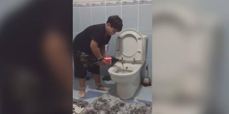 Türken kippen Cola ins Klo