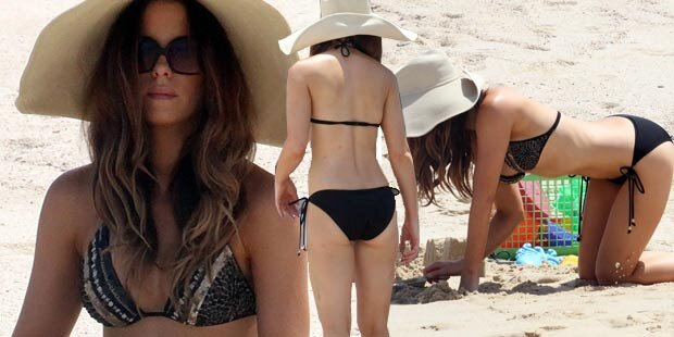 Traumfrau Kate Beckinsale im Sand