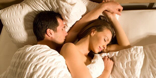 10 Dinge, die Frauen nach dem Sex denken