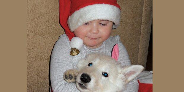 Annalena (3) im Weihnachtsglück