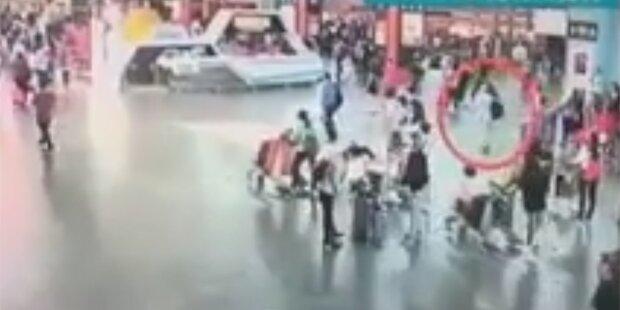 Video zeigt Gift-Anschlag auf Kims Halbbruder