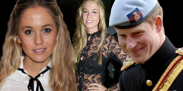 Prinz  Harry vergnügt sich mit Dessousmodel